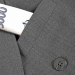 Můžete zde dostat částku od 500 Kč do 3000 Kč (jako nový klient) nebo až 7000 Kč při opakované půjčce. Peníze máte na 5 až 30 dní (nový klient) nebo až na 45 dní (opakovaná půjčka).