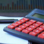 Výpočet výše nezabavitelné částky při insolvenci, se řídí stejnými pravidly jako exekuční srážky z důvodu přednostní pohledávky. Základní nezabavitelná částka 2017 = 6154,67 Kč.